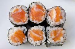 Salmon Sushi Roll Photographie stock libre de droits