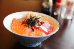 Salmon and tuna sushi don Stock Photography
