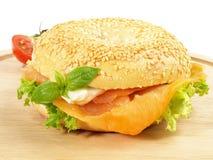 Salmone affumicato - bagel del pesce immagine stock