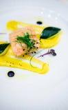 Salmone con lo zucchini Immagini Stock