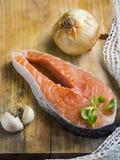 Salmone crudo affettato Immagini Stock Libere da Diritti