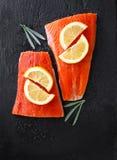Salmone rosso d'Alasca preso selvaggio Fotografie Stock Libere da Diritti