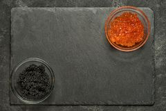 Salmone rosso e caviale nero dello stugeon Fotografie Stock Libere da Diritti