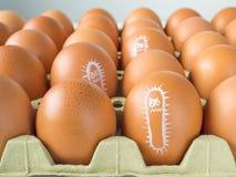 Salmonellenbakterie gezeichnet auf Eier Lizenzfreie Stockbilder