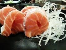 Salmones del Sashimi, comida japonesa, Japón Foto de archivo