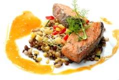 Salmones; pimienta asada a la parrilla Imagen de archivo libre de regalías