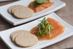 Salmoni affumicati con i oatcakes Immagini Stock