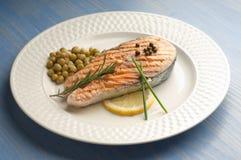 Salmoni cotti con pepe verde Fotografia Stock