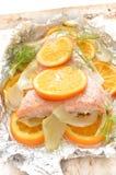 Salmoni e verdure cotti Fotografia Stock Libera da Diritti