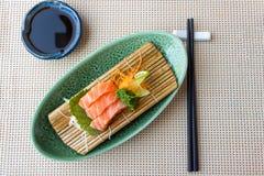 Salmoni freschi Sashim di color salmone Fotografia Stock Libera da Diritti