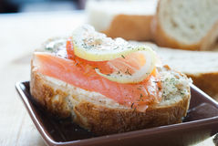Salmoni sandwich1 Immagine Stock