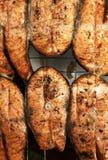 Salmoni una griglia Fotografia Stock
