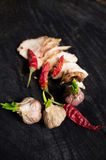 Salo con las especias, el ajo y la pimienta roja Imagenes de archivo
