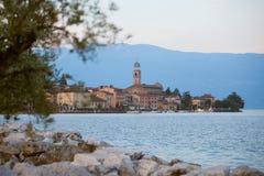 Salo, op de kust van het grootste meer in Italië, Lago Di Garda Stock Foto's