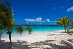 Salomon Beach en el parque nacional de las Islas V?rgenes de los E.E.U.U. en St John en las Islas V?rgenes de los E.E.U.U. fotografía de archivo libre de regalías