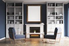 Salon avec la cheminée et les fauteuils bleus Photos libres de droits