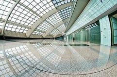 Salon d'intérieur d'aéroport de Pékin de mail moderne Photo libre de droits