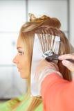 Salon de coiffure. Coloration. photographie stock