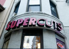 Salon de coiffure de Supercuts photographie stock libre de droits