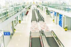 Salon de départ dans l'aéroport international de Suvarnabhumi à Bangkok Image libre de droits