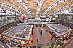 salon de départ dans le terminal 2 à l'aéroport Hambourg Photo libre de droits