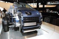 Voiture avec le moteur hybride Photographie stock