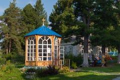 Salon de thé dans le temple de l'icône de la mère de Dieu Images stock