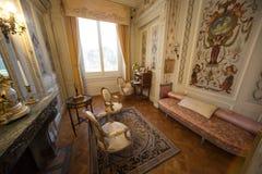 Salon in een luxueuze villa Stock Fotografie