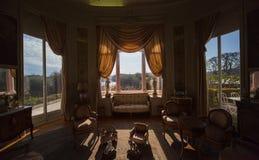Salon in een luxueuze villa Stock Foto