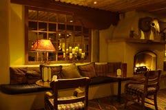 Salon et cheminée de détente Photo libre de droits