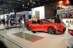 Salon international rouge d'automobile de Maserati Moscou Photographie stock