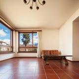 salon non meublé dans la maison privée photo stock