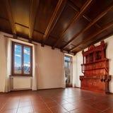 salon non meublé dans la maison privée photographie stock