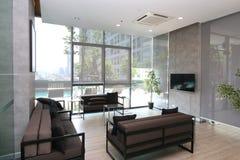 Salone in appartamento di lusso fotografie stock