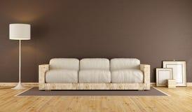 Salone con il sofà di legno Immagini Stock Libere da Diritti