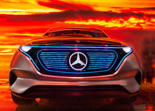 Salone dell'automobile di Parigi 2016 - EQ, l'automobile elettrica da Mercedes Fotografia Stock