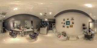 Salone di bellezza in un complesso commerciale in Soci fotografia stock libera da diritti