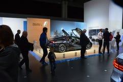 Salone internazionale dell'automobile di Mosca dell'ombra di BMW i8 Immagine Stock