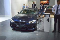 Salone internazionale dell'automobile di Mosca di quarto di serie di BMW colore blu scuro di Gran Cupe Fotografie Stock