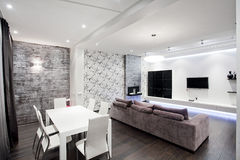 Salone interno domestico moderno Fotografia Stock Libera da Diritti