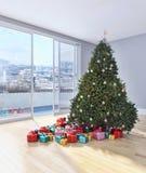 Salone luminoso moderno dell'appartamento degli interni con il tre di Natale Immagini Stock Libere da Diritti