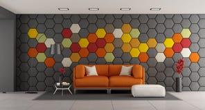 Salone moderno con il sofà arancio Fotografie Stock Libere da Diritti