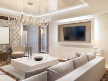 Salone moderno nei colori bianchi con stoccaggio integrato per la t Immagini Stock