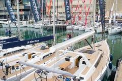 Salone Nautico, Genebra, Itália 2017 - vista ascendente próxima dos barcos luxuosos imagem de stock