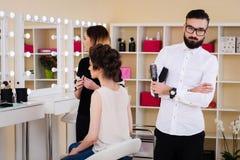 Salone, trucco e designazione di bellezza nel salone, nei parrucchieri e nel truccatore, Fotografie Stock