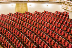 Salong av den berömda Semper operan i Dresden Royaltyfria Foton