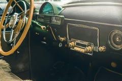 Salong av en bil, delar från läder och plast- fotografering för bildbyråer