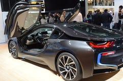 Salong nya BMW i8 för bil för premiärMoskva internationell Arkivbilder
