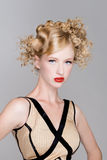 Salongen danar hår modellerar Royaltyfri Bild