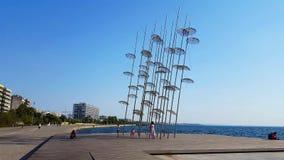 Saloniki-Regenschirminstallation stock video